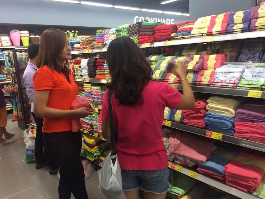 Mua khăn mặt Poêmy ở đâu không khó để trả lời khi bạn mua sắm tại các siêu thị lớn.